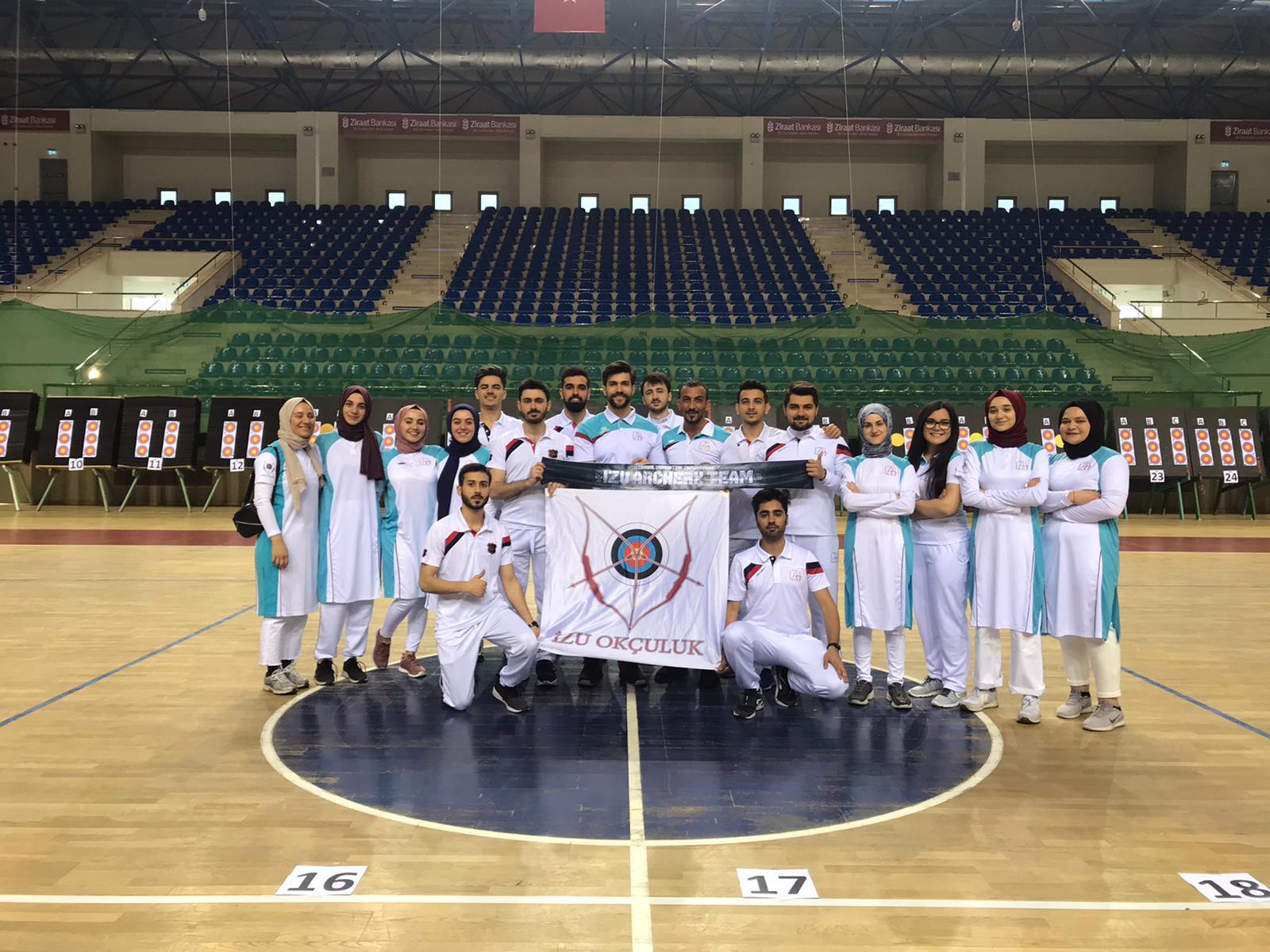 İZÜ Türkiye Şampiyonu - Haberler - İlim Yayma Vakfı, İYV